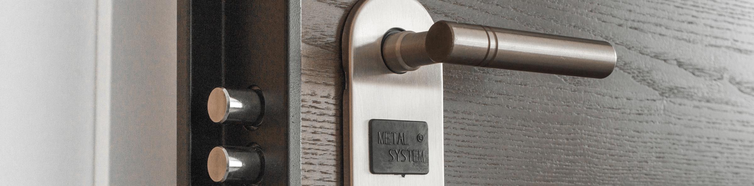 puerta cerrajeria 1 - Cerrajero Torrente 24 Horas Cerrajeros Urgente Torrente