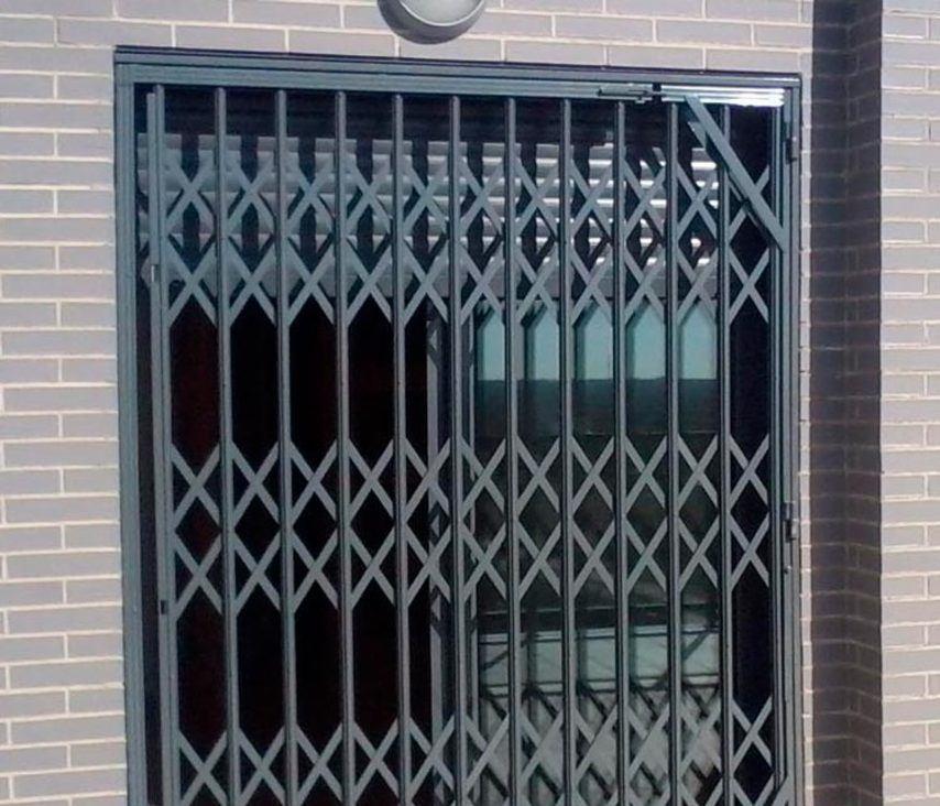 rejas para puertas 2020 - Instalación de rejas para puertas